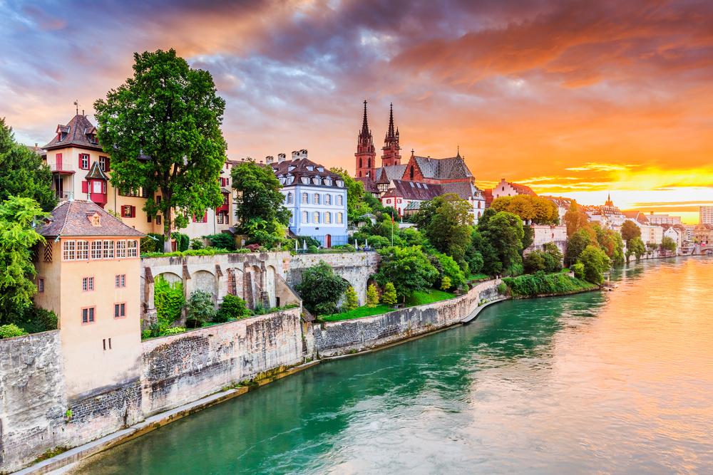 スイスに就職・転職することを考えるうえで知っておくべきこと