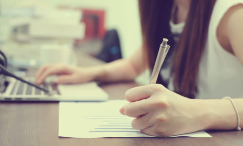 履歴書は手書きの方が有利?理想的な履歴書とは