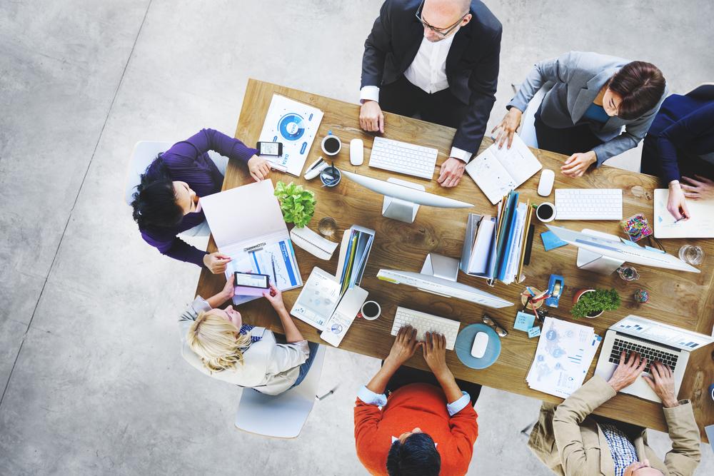 見栄を張る人の心理と特徴・ぶつからず職場でうまく付き合う方法
