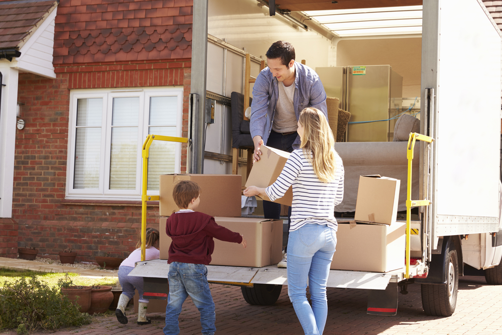 転職に伴う引っ越しのタイミングや手順について