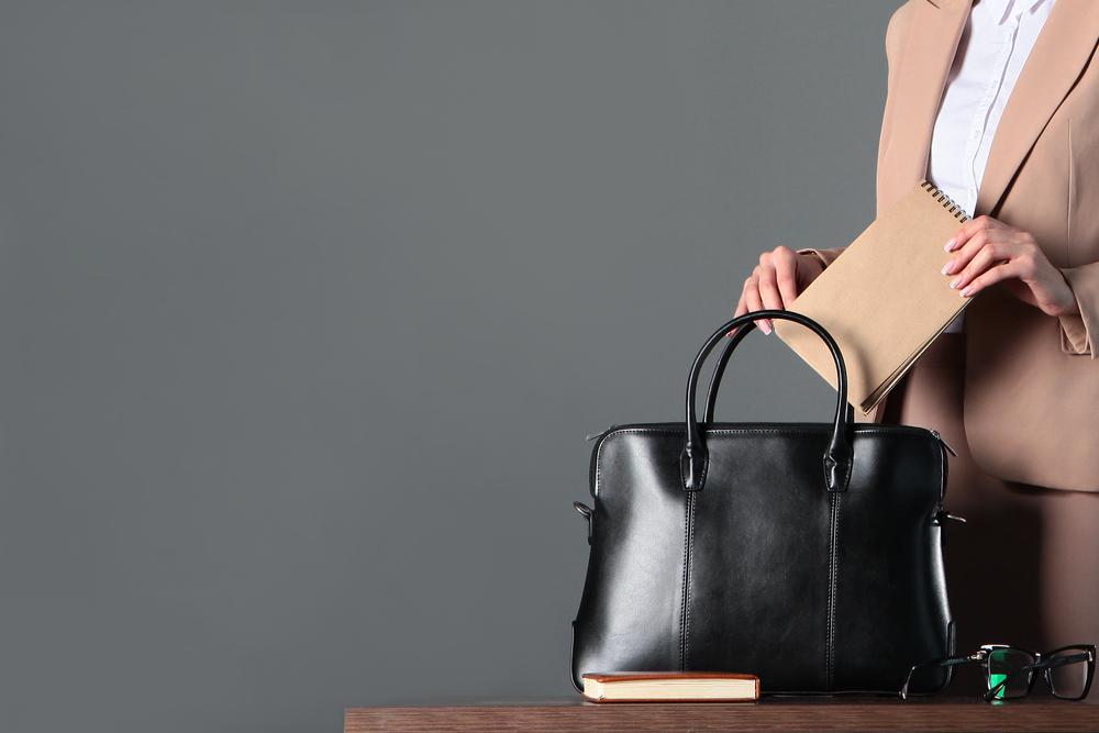 転職活動で使うバッグの選び方・シーンに合わせて活用しよう