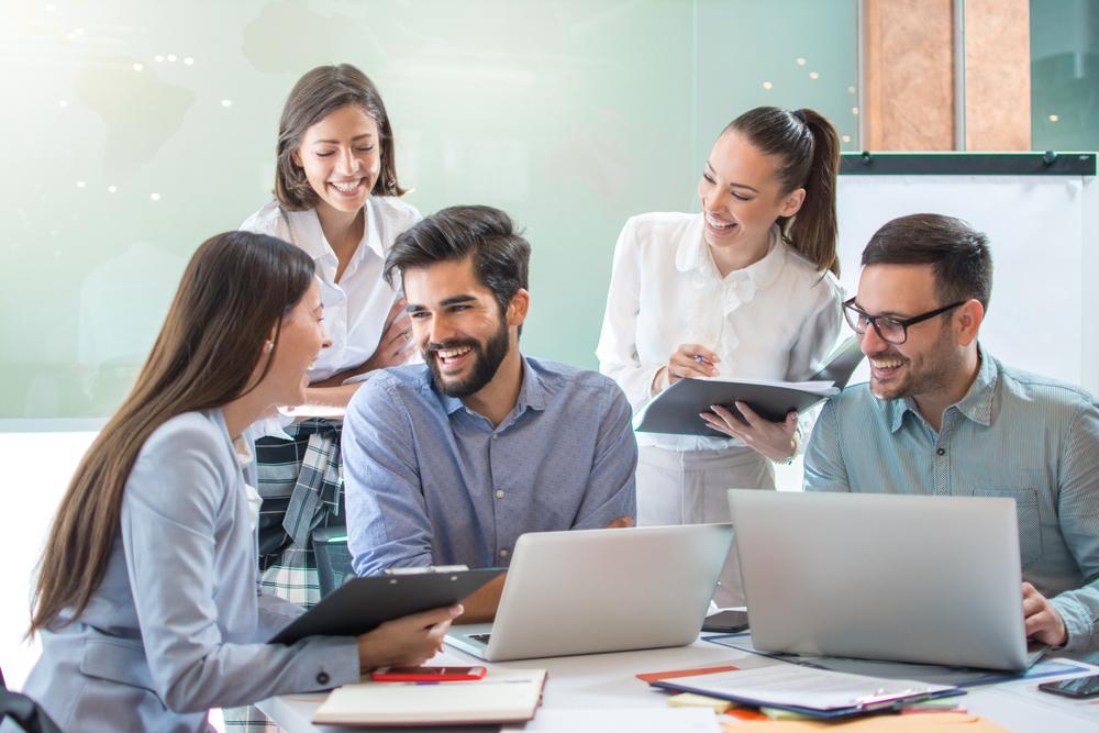 職場に重要な雑談力とは?さりげない会話で自分の存在感をアピールする方法