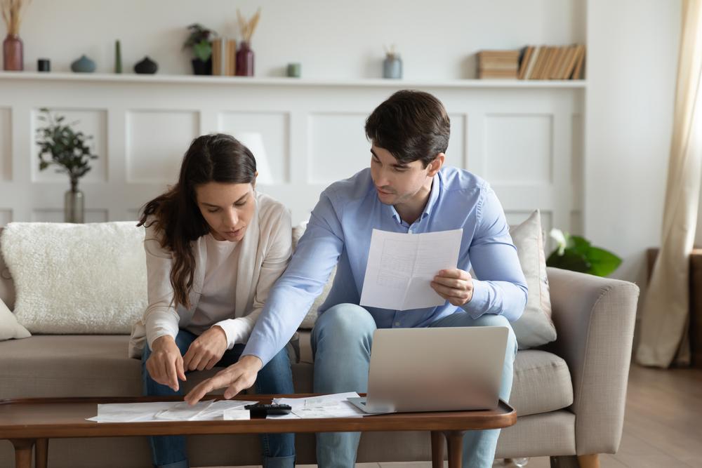 給与明細の見方基礎ガイド・収入と支払うものをきちんと理解しよう