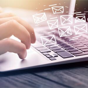 面接のお礼のメールは必要?意味や書き方のマナーについて