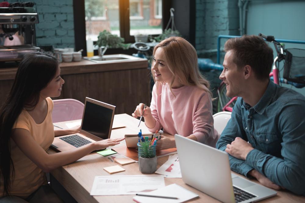 退職奨励とはどういうこと?解雇との違いや対応方法の基礎ガイド